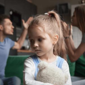 Konflikt rodzicielski a istotne sprawy dziecka. Prawne aspekty dla placówek oświatowych
